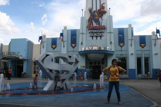 Parque Warner: Superwoman