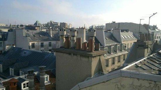 Hotel Cyrnos : Vue sur les toits depuis le 7e étage (coté cour)