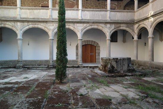 Monasterio de Santo Tomas : El claustro más antiguo