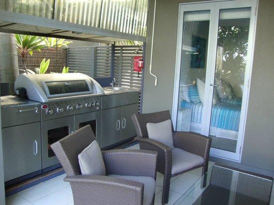 Metzo Noosa Resort: bbq area