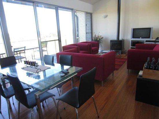 Adina Vineyard & Olive Grove : Living room