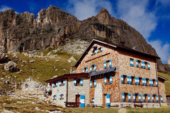 Rifugio Roda di Vaèl: Die Hütte