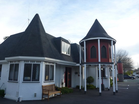 Camelot Motor Lodge: Reception