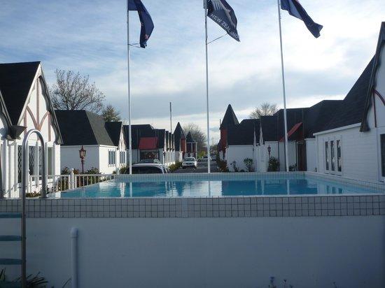Camelot Motor Lodge: Pool