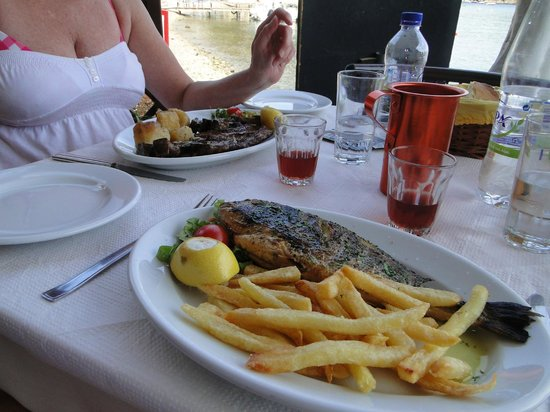 Nikolas Traditional Taverna: sea bream