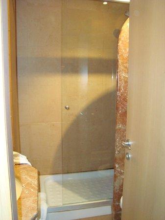 Mercure Roma West: bathroom