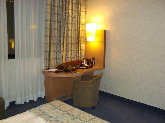 Mercure Roma West: room 5