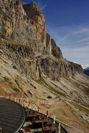 Rifugio Fronza alle Coronelle: Blick in die Steilwände