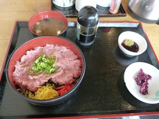 Maizuru Port Toretore Center Michi-no-Eki : マグロ丼を食べました