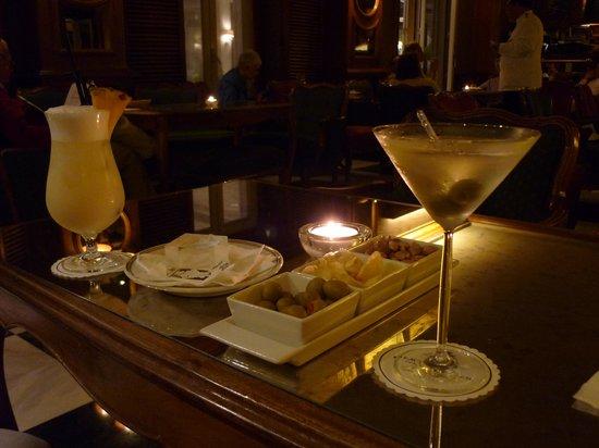 Palacio Estoril Hotel, Golf and Spa: 007 Martini and Pina Colada