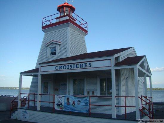 Centre Commercial Les Rivieres: Antigo farol - Porto de Trois-Rivières - QC
