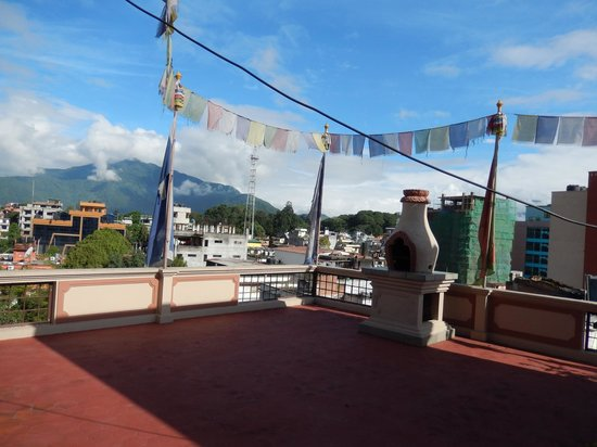 Hotel Tibet : rooftop yoga area, connected to meditation room