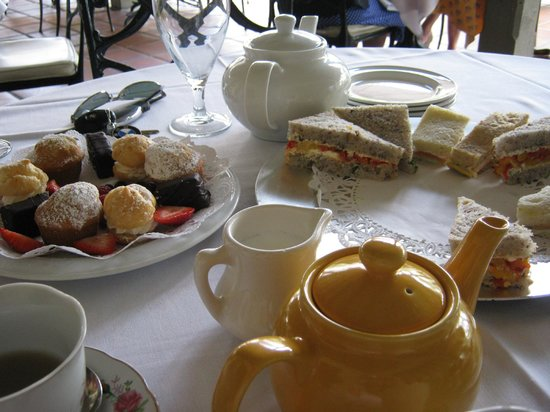 Sherman Library & Gardens: Awful afternoon tea
