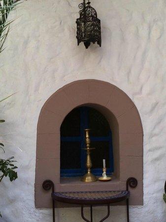 Riad Al Madina : Mauernische im Innenhof