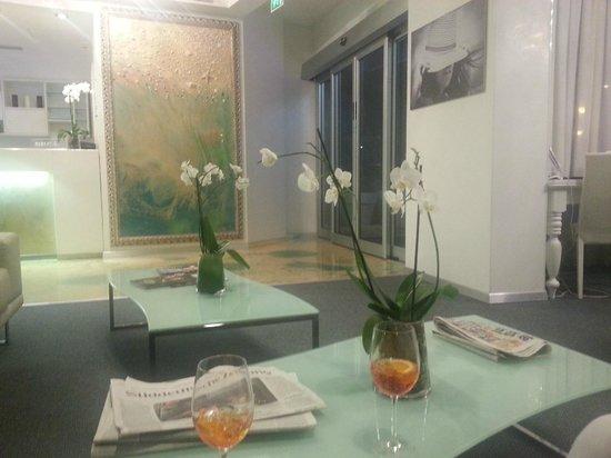 Adriatic Palace Hotel: Die Lobby