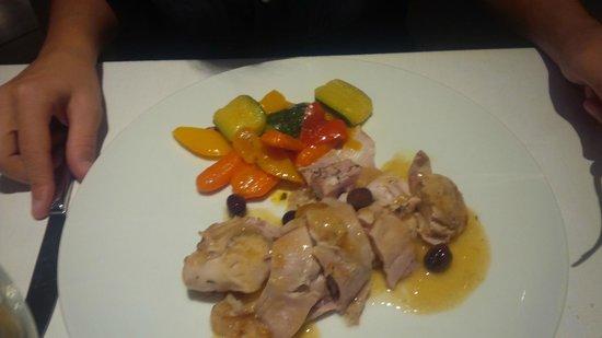 Carlo Govi Ristorante: sella di coniglio, disossata, al forno con olive e verdure spadellate