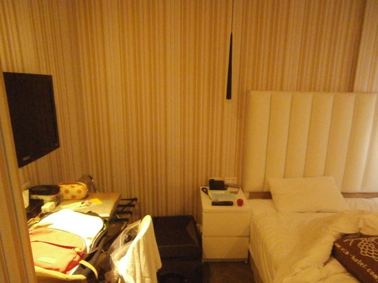 Via Hotel: Couple room