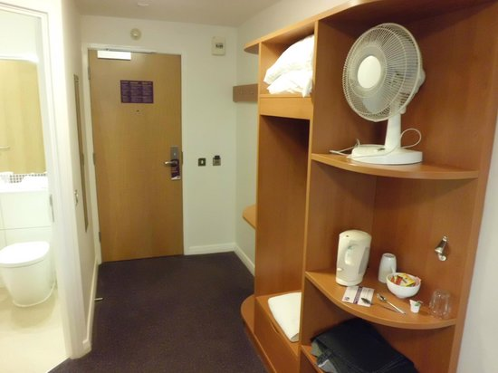 Premier Inn Oxford Hotel: Where to hang your clothes.