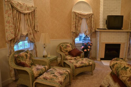 interior of the Gazebo guest house at Ambrosia Inn