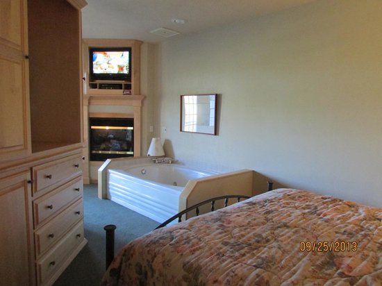Birchwood Lodge: Suite 213