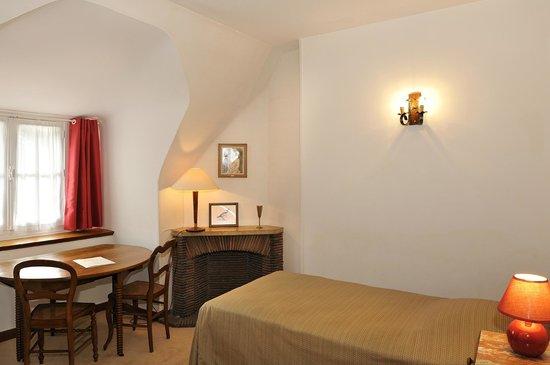 Logis Manoir de la Giraudiere: chambre double