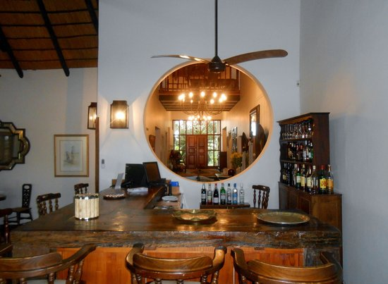 Buhala Lodge: The bar