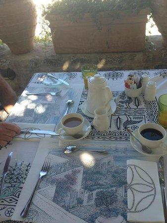 Melenos Lindos Restaurant : Breakfast coffee