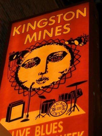 Kingston Mines : La vera casa del Blues per locali e turisti