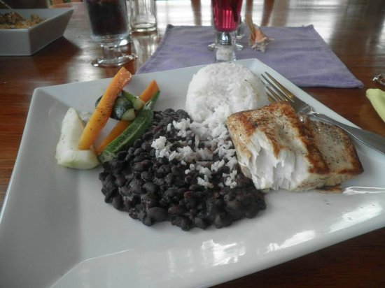 The Purple Space Monkey Bar & Grill: Blackened Snapper
