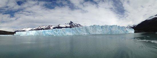 Intendencia Parque Nacional Los Glaciares: Front of Perito Moreno Glacier