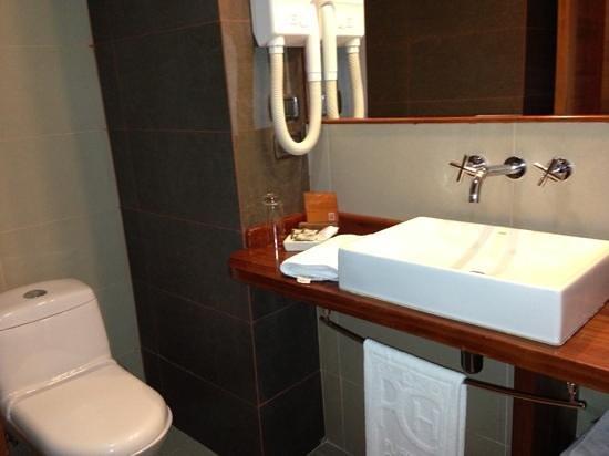 Puerto Chico Hotel: baño superior
