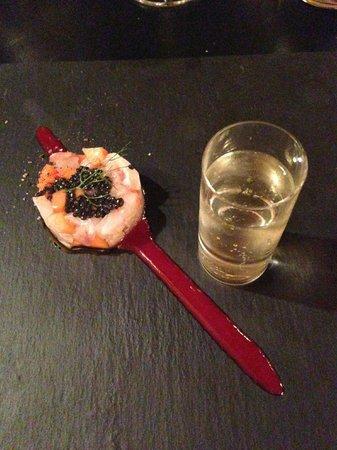 Ai Mercanti: Seabass tartar with eldeflower juice
