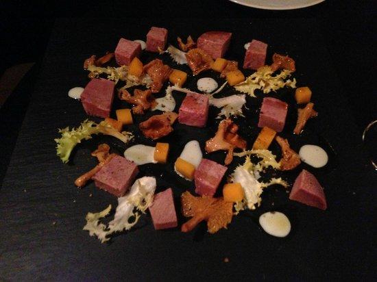 Ai Mercanti: Corned tongue with chanterelles and pumpkin