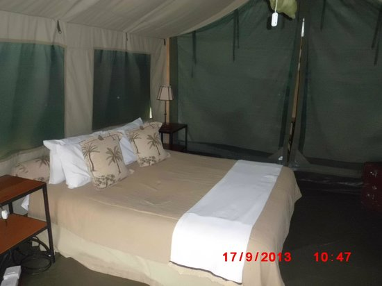 Victoria Falls Rest Camp & Lodges: The bed