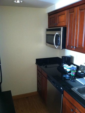 Homewood Suites by Hilton Carlsbad-North San Diego County: kitchen