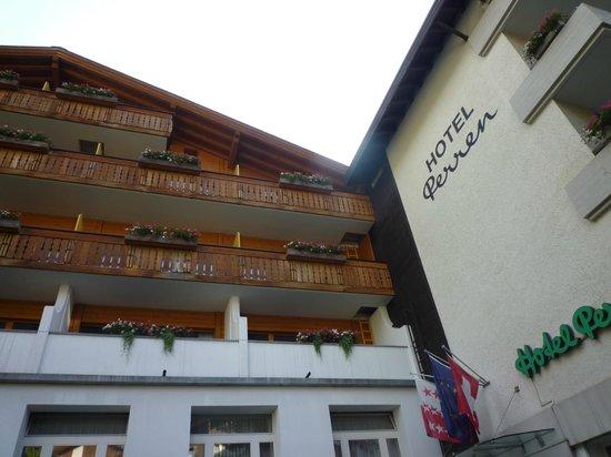 Hotel Perren : ホテル外観