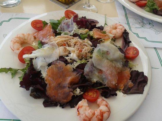 Bar Restaurante Tanga : insalata con pesce del rist tanga