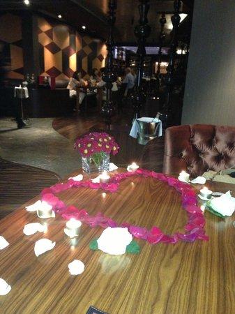 Prime Steakhouse : Table Decoration - Engagement