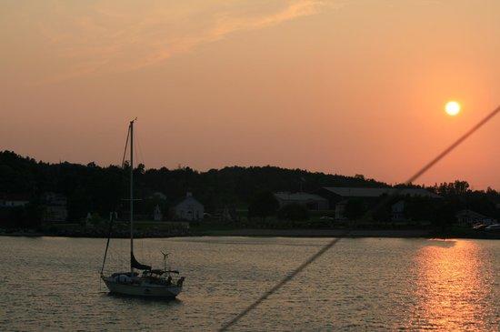 Star Line Mackinac Island Ferry: Coming back to Star Line's Dock!