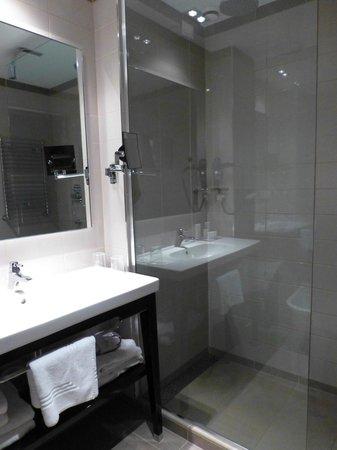 Crowne Plaza Hotel Verona - Fiera: Banheiro de nosso quarto