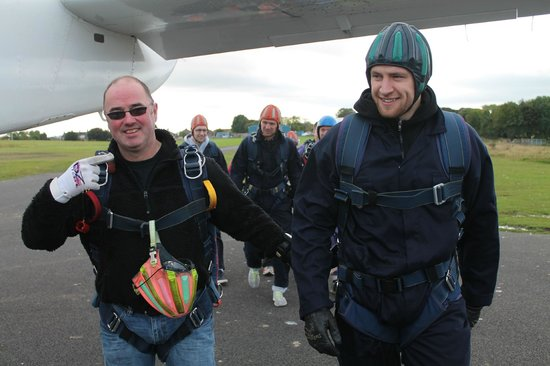 Peterlee Parachute Centre: Mark and me before jump