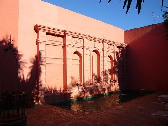 Casa Palacio Conde de la Corte : jardín Palaciego. pero coqueto.
