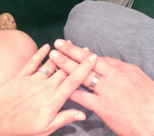 Cupid's Wedding Chapel: Nuestros anillos (también venden en la capilla, pero no se los modelos)