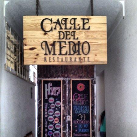 Calle Del Medio Restaurante: Calle del Medio