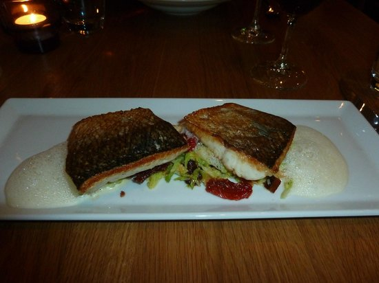 Copas y Tapas: White Fish with cabbage, bacon & tomato + almond foam sauce