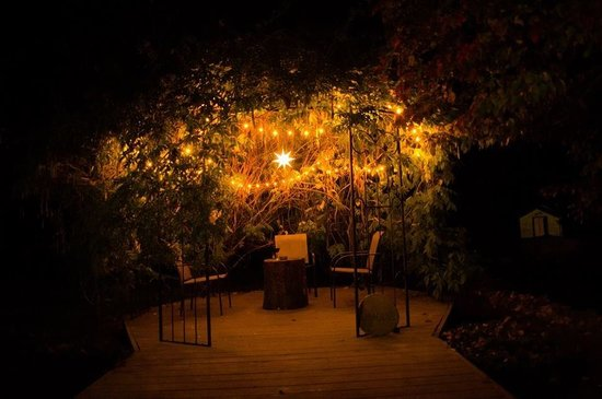 Bella La Vita Inn: Magical Gazebo. Perfect place for a late night gathering.
