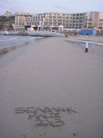 db Seabank Resort + Spa: Hôtel vu de la plage