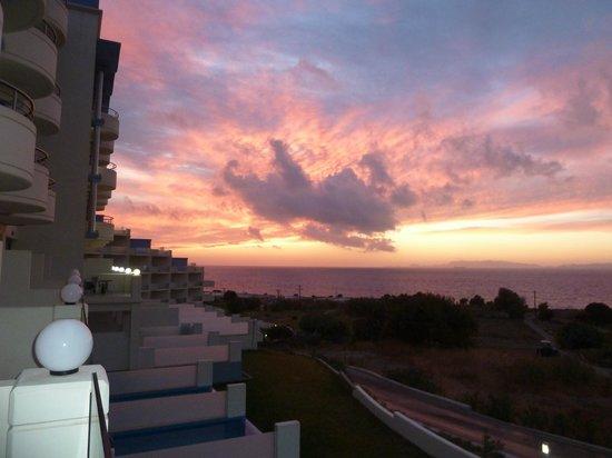 Atrium Platinum Hotel: The sunsets are gorgeous
