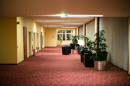 Hotel Steglitz International: Hallway where the coffee point is