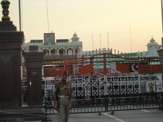 Wagah Border: The legendary India-Pakistan Border Gate